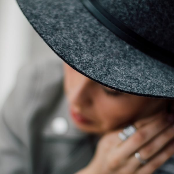 Elegant beautiful woman with hat and jewelry manners   The Sublime Woman