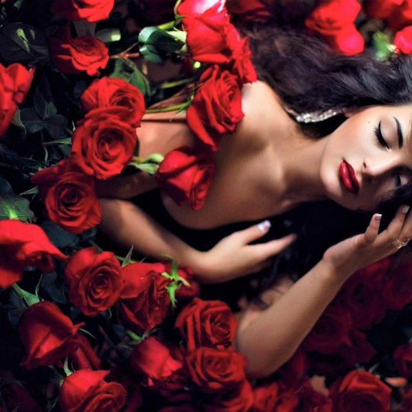 8 Signs of Waking Femininity | The Sublime Woman